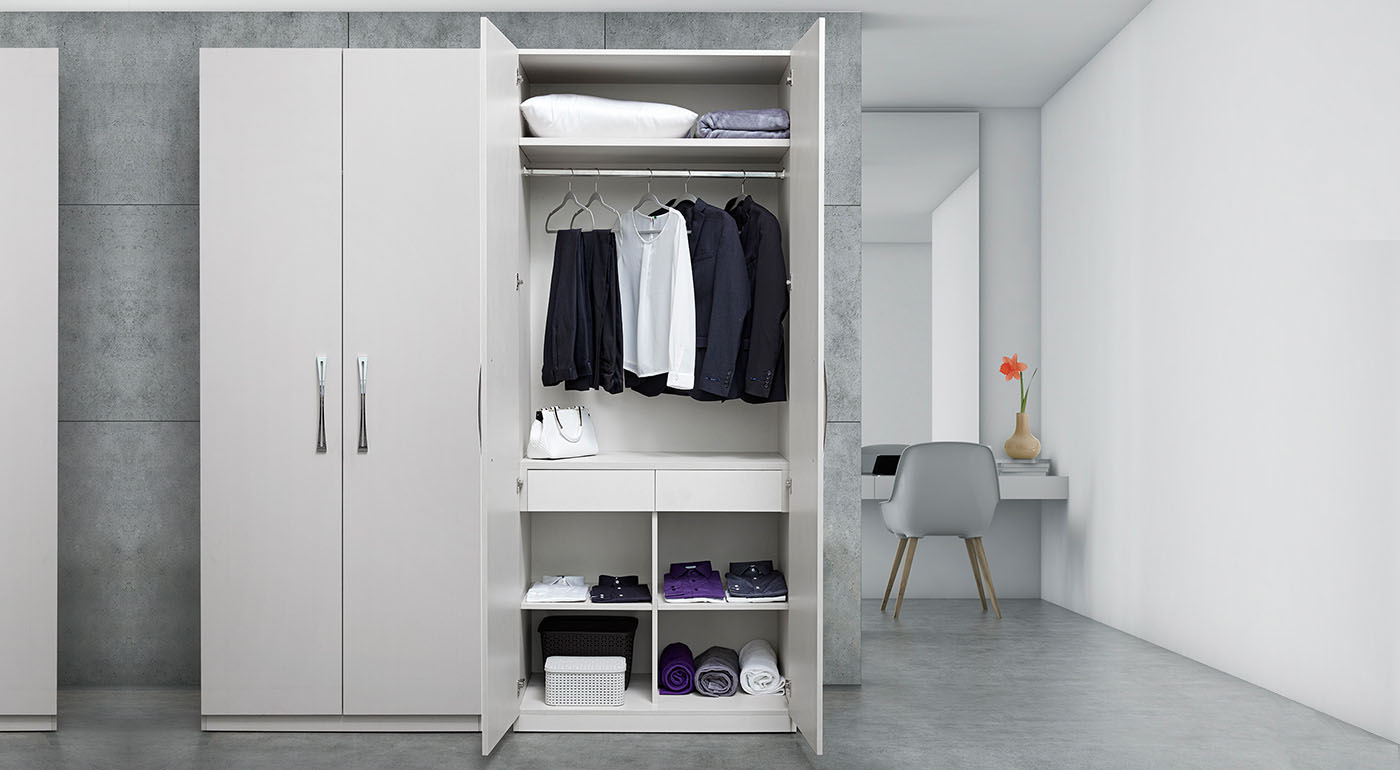 Essential hinged wardrobe